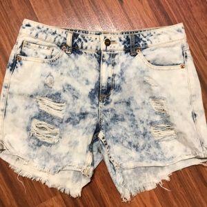 Forever 21 premium denim shorts size 28